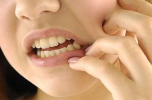 Удалили зуб и болит десна