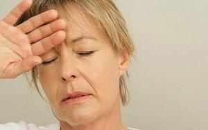 При менопаузе увеличивается риск развития кариеса