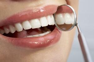 Чем опасен кариес зубов у беременных женщины?
