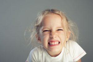 Скрежет зубами у детей. Что делать?