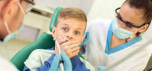 Что делать, если ребенок боится врача?
