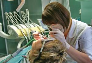 Безболісна імплантація зубів