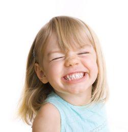 Изменение цвета молочных зубов