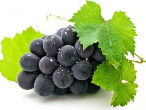 Виноград полезен для зубов