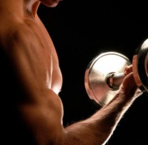 Занятие спортом поможет сохранить мужчинам зубы